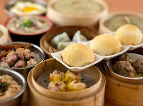 Bourdain included Tim Ho Wan on his _dream list_ of vendors and it is As the world_s _cheapest_ Michelin-starred restaurant.
